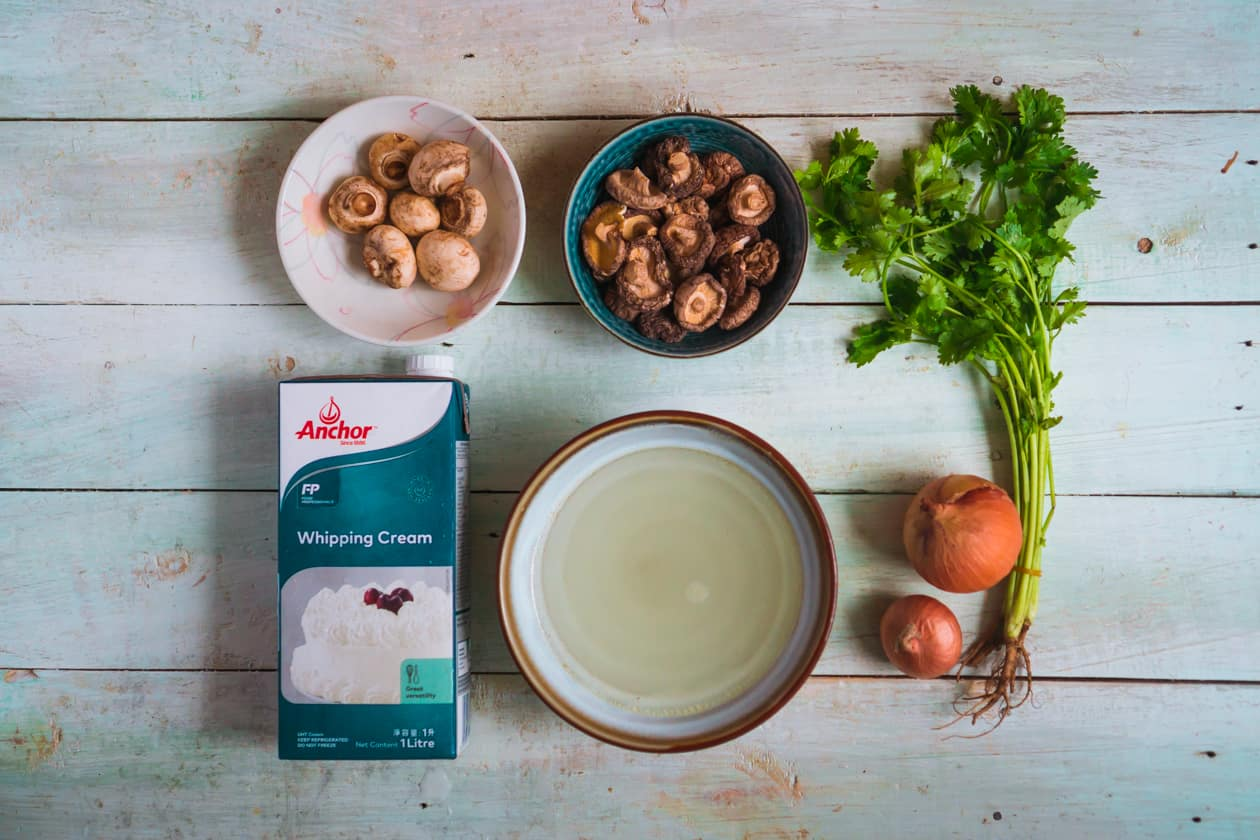 nguyen-lieu-sup-kem-nam-cream-mushroom-soup